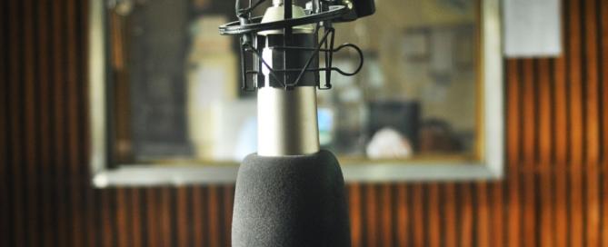 Micrófono_en_la_Radio_Universidad_Nacional_de_La_Plata